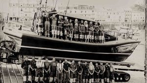 One of Jack Lowe's glass plate images - this one of the Ilfracombe RNLI crew.